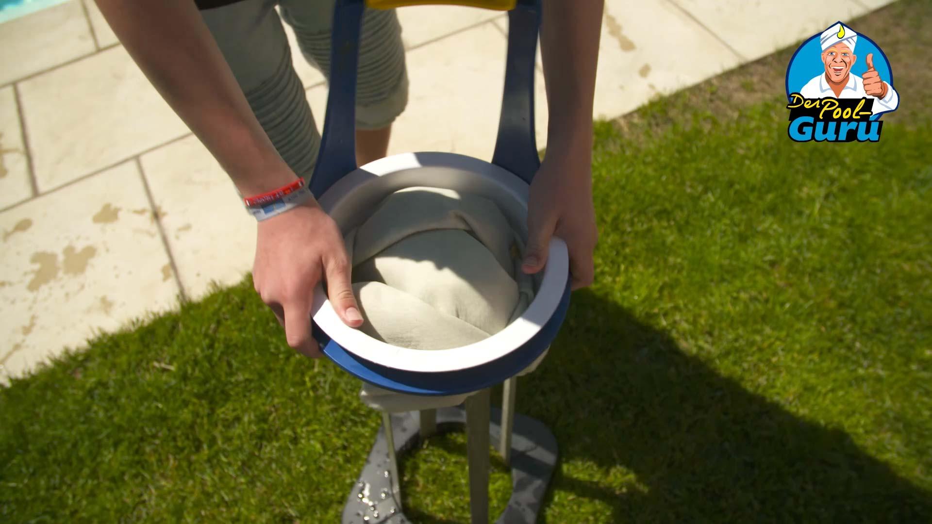 Filtersack Poolfilter zur Reinigung umdrehen