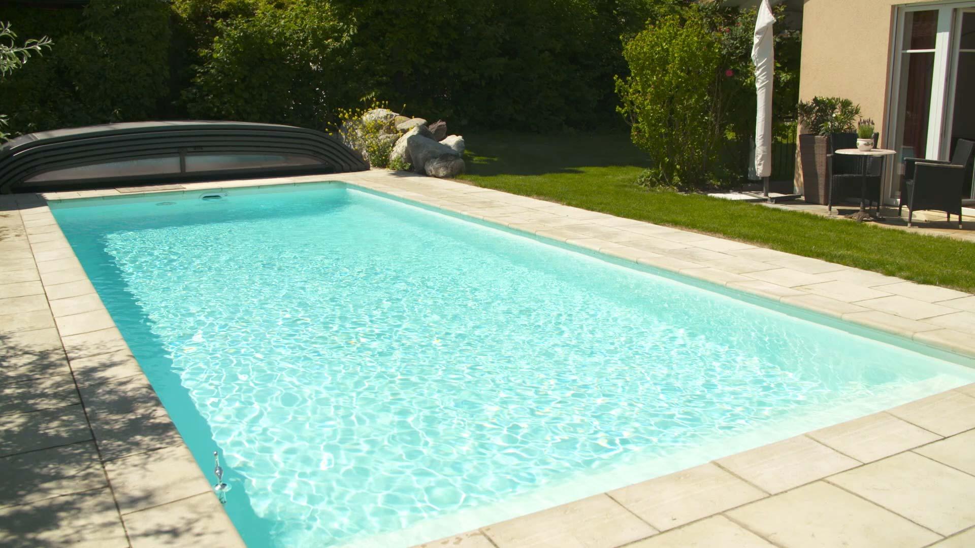 Filtertechnik für klares Wasser im Swimmingpool