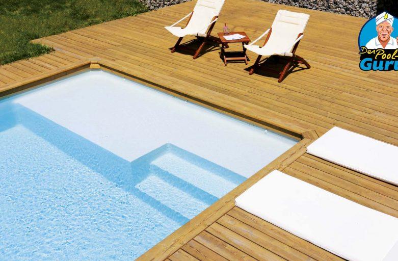 Pool Ruhezone mit integrierter Treppe innenliegend