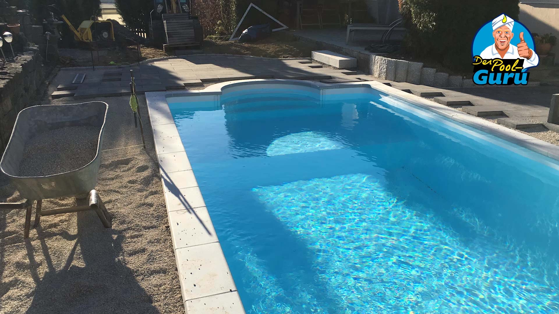 Pool bauen Fliesen legen