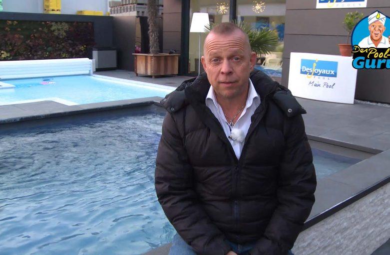 Axel Steinbach erklärt Desinfektion Pool
