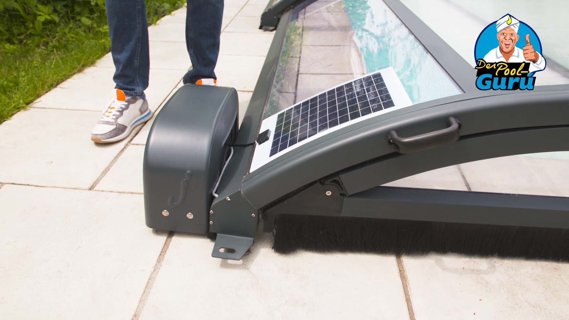 Poolhalle Solar Motor